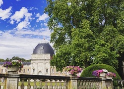 Château d'Hélécine -  @behinddrakescreen sur Instagram