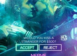 Do you dare kiss a stranger ? - Nerve